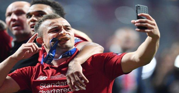 Football: Liverpool-Stars de l'Or-Téléphones portables pour le CL-Victoire Vue