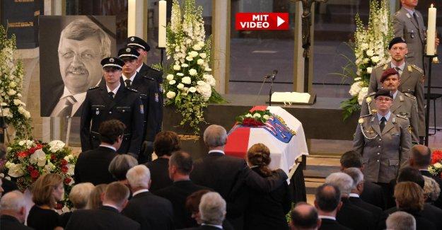 Funérailles de Walter Lübcke: garde d'honneur pour le Président assassiné
