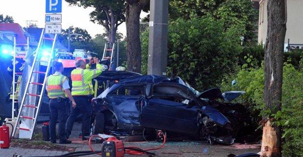 Karlsruhe: les époux meurt en cas d'Accident, le Fils de flotte en Danger de mort