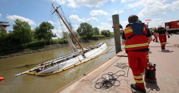 La baisse de Elbe 5 - Sauvetage avec Hebesäcken et des Pompes