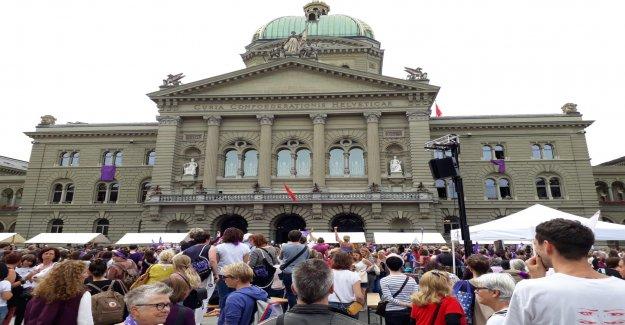 Molina-Transparent mène également Frauenstreik un Rüffel - Vue