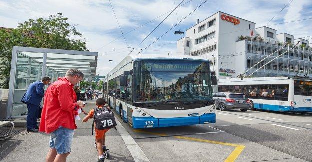 Oerlikon: Plusieurs Blessés lors de Stoppunfall dans Zurichois de Bus de Vue