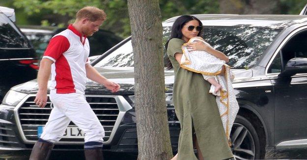 Archie a la première Apparition publique avec Maman Meghan - Vue