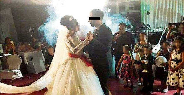 Bagarre à la cérémonie de Mariage: le Marié se déchire Policiers Cheveux