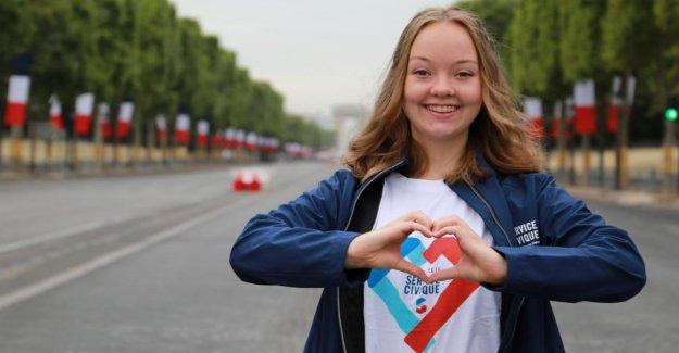 Bonn: Abiturientin Neele est le cas de la Fête nationale à Paris Macron