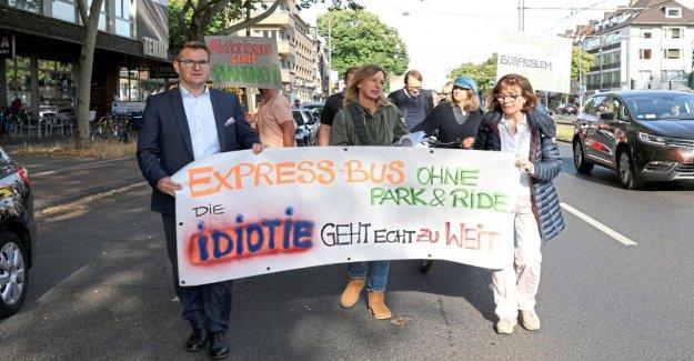 Cologne, en allemagne, la CDU, le Vert et le bouton Gauche de la mettre en bus Express Piste