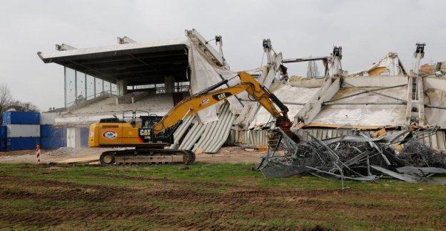DFB construit Football de Francfort, de Course le Club est dissous
