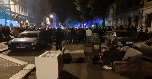 Des manifestants à éviter à Leipzig Expulsion avec des Canapés - Vue