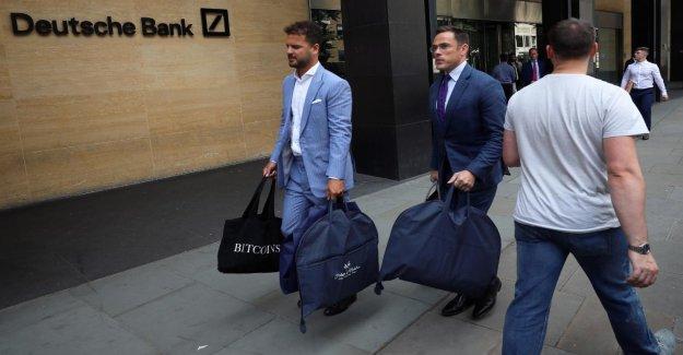 Deutsche Bank: le Licenciement pour les Employés, des Costumes sur mesure pour les Chefs
