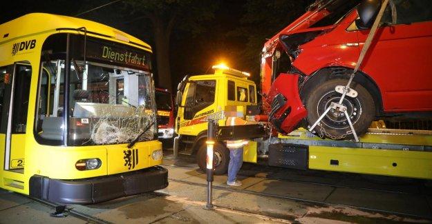 Dresde: la Mère craque avec leurs Enfants dans le Tramway
