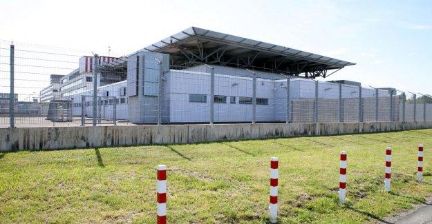 Düsseldorf: Cinq Hommes comme ISIS-Aide, accusé d'