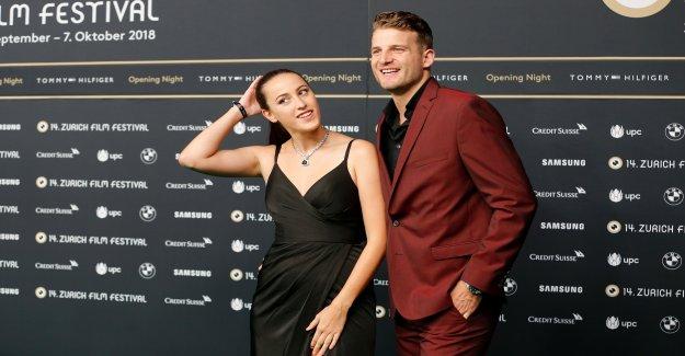 Ex-Bachelor Janosch et Kristina sont encore Quelques - Vue