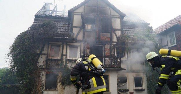 Felsberg: danger d'effondrement – Quatre Blessés en cas d'Incendie dans un bâtiment à Colombages