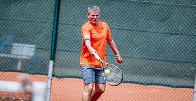 Fortuna Düsseldorf: Friedhelm Sparkle est (Tennis), Maître!