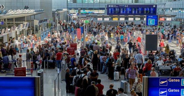 L'Aéroport de francfort, casse Record de 241 228 Personnes dans une Journée!