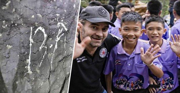 La thaïlande, la Grotte: un Plongeur trouve des Messages sur les Murs