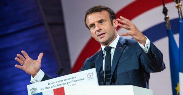 L'espace de Commandement: le Président de la France Macron veut aussi Militaire à toutes et à Tous