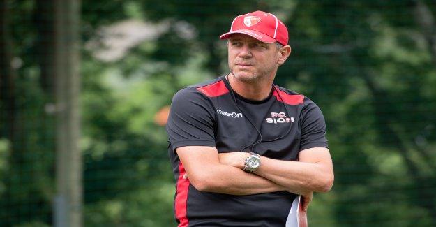 Triste première pour Sion-Coach: Henchoz: Papa est mort - Vue