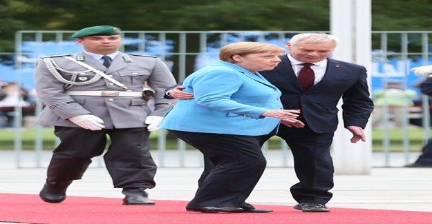 Troisième Crise dans trois Semaines: Angela Merkel tremble de nouveau - Vue