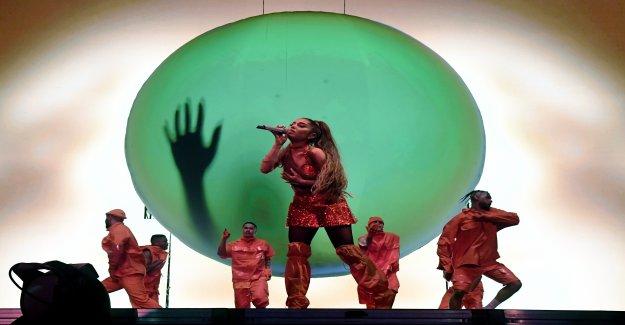 Ariana Grande: Seulement des Sacs transparents ne peuvent se rendre à un Concert - Vue