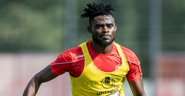 Fortuna Düsseldorf: Défense Bord Kasim Adams comme un Rondin