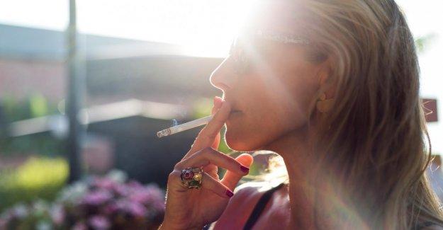 La peau de l'Experte explique: Fumer + Soleil = dix fois plus de Rides!
