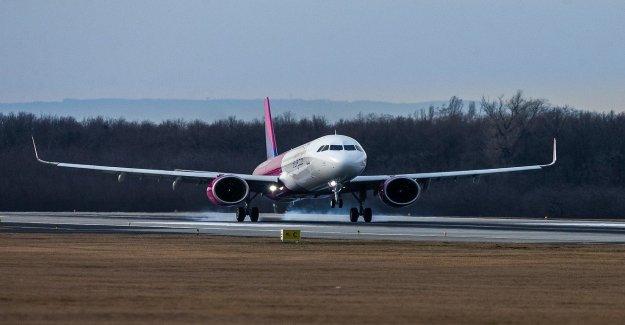 L'avion doit faire un atterrissage forcé: Islandais compté sur les Médicaments de Vue