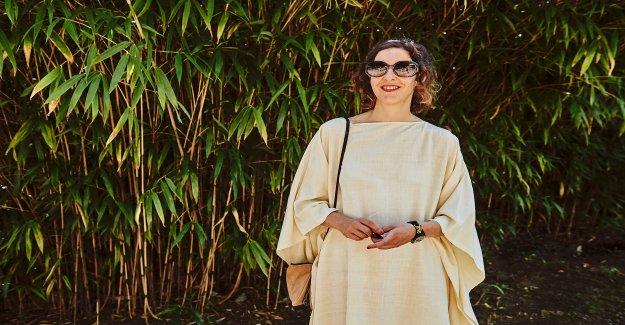 Locarno-Festivalleiterin Lili Hinstin porte Issey Miyake - Vue