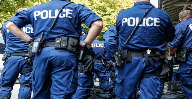 Policier pouvait un des Manifestants, le film interdire à - Vue