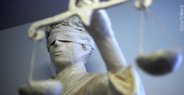 Processus à Berlin - Femme Oeil brûlures – Mari parle d'oubli