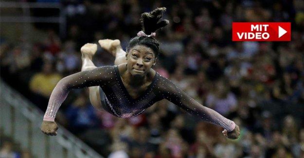 Simone Biles: 1,42 m-Gymnaste saute Triple Double