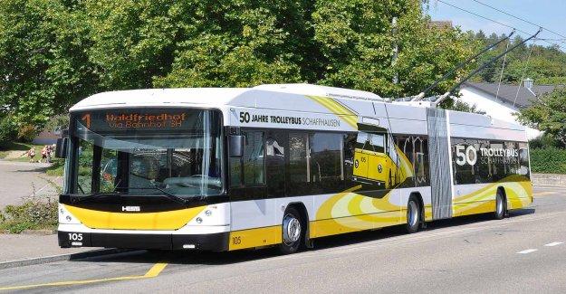 TP Bureaucratie: 100-Fr.-Bus pour une Fille (5) - Vue
