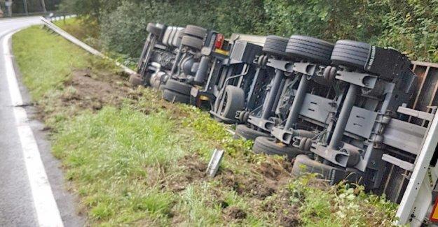 Trop vite?: 40 Tonnes renverse sur A27-Sortie pour