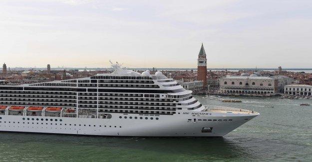 Les navires de croisière n'auront plus le droit d'accoster à Venise — Italie
