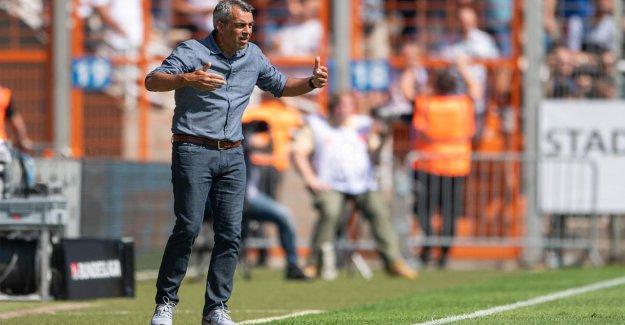 VfL Bochum: l'Entraîneur Robin Dutt est en face De