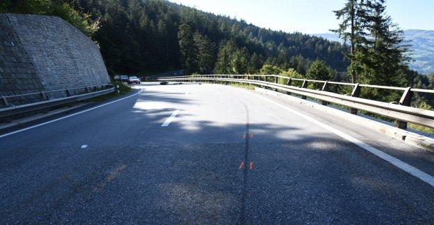 À 19 ans, en Moto-Lernfahrer meurt en cas d'Accident dans le canton des Grisons - Vue