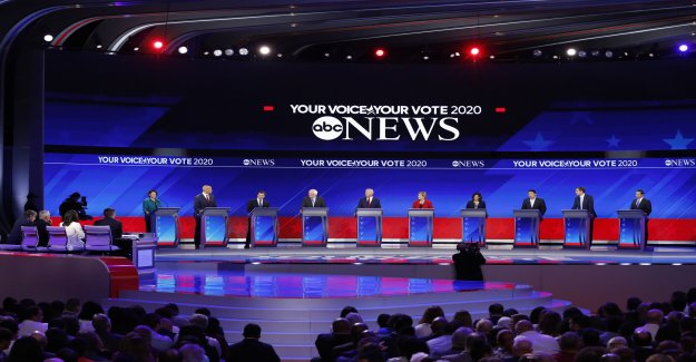AMÉRICAINS Primaires, un troisième Débat: Joe Biden, en raison de l'Âge, se moque de
