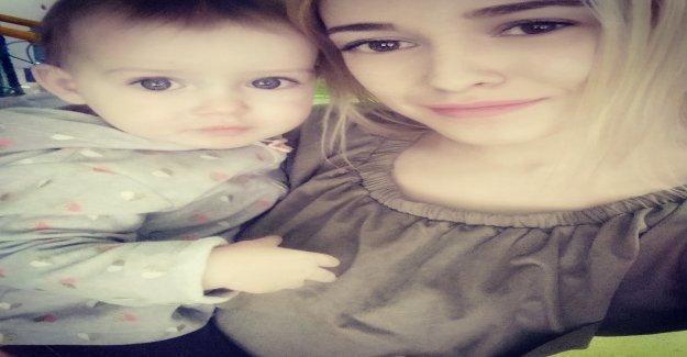 Accident mortel: Enfant (2) est coincé Mère dans la vitre d'une Voiture sur la Vue
