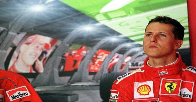 Le champion du monde Michael Schumacher hospitalisé à Paris