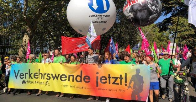 Francfort: Grand Climat de Protestation le premier BIT Public