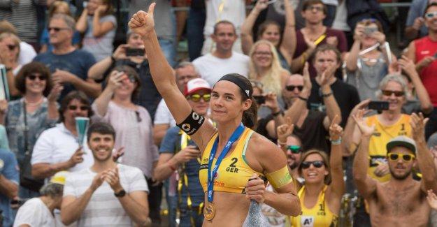 La championne olympique Kira Walkenhorst monte dans la Formation d'un