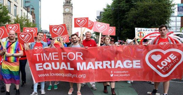 La saint-valentin 2020, l'Irlande du nord se mobilise pour les Eheöffnung