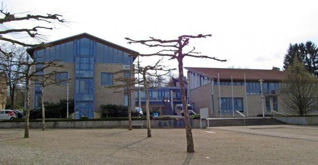 Les accusations portées contre Riegelsberger Maire Raid de l'hôtel de ville