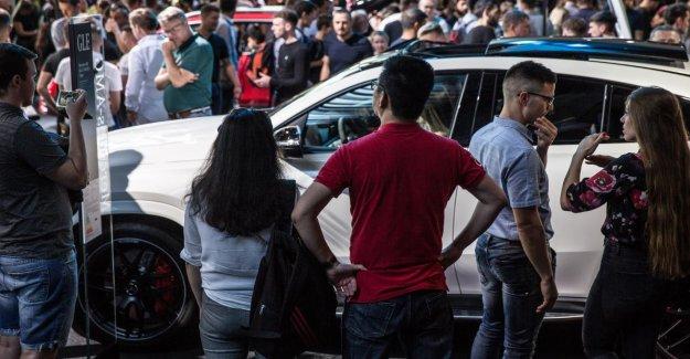 Mercedes doit Festhalle en raison de la Surpopulation fermeture de Mega rush à BIT
