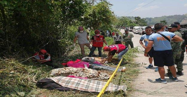 Plusieurs Morts aux Philippines à la recherche des Camions-Accident - Vue