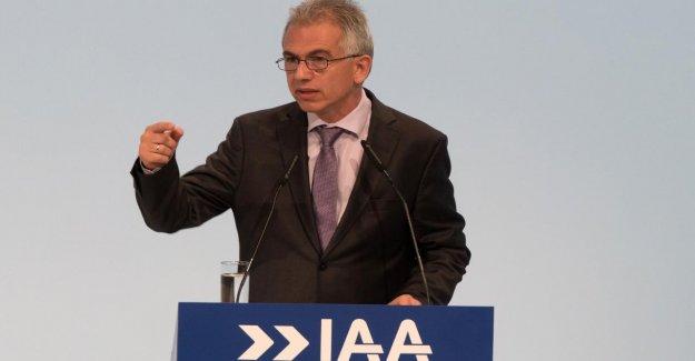 SI n'a pas été autorisé à l'IAA de parler: Feldmann au Téléphone déchargé