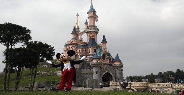 Suisse (32) s'égare sur un Trip d'acide Disneyland Paris - Vue