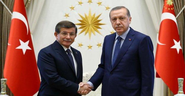 Turquie: l'Ex-Premier ministre fonde un nouveau Parti – m. Erdogan a des Concurrents