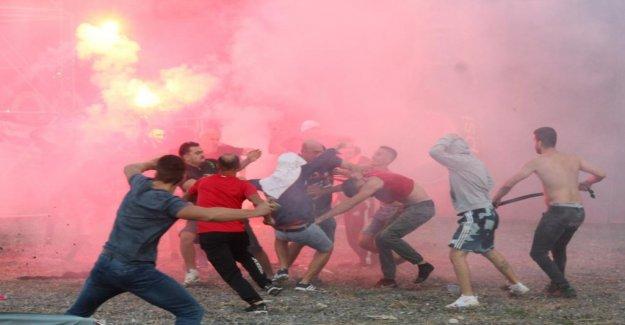 Derby Rixe en Albanie en Match Partizani – KF Tirana - Vue