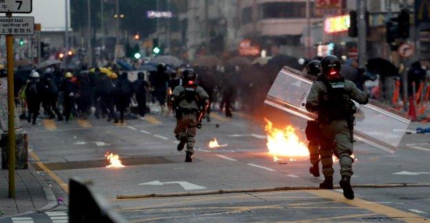 Hong kong – Manifestations: de Graves Incidents à l'occasion de la Fête nationale de la Chine
